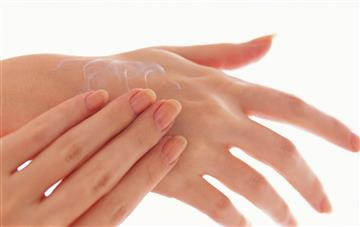 Self-administered hand shiatsu may help your body prepare for sleep when you suffer chronic pain